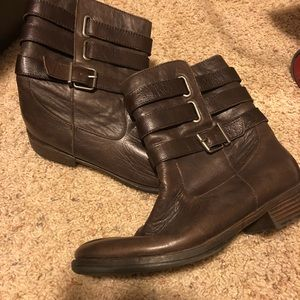 Reaction by Kenneth Cole boots